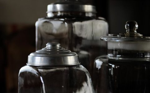 古いガラスの容器