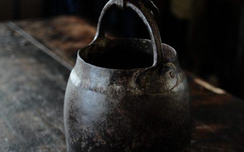 井戸の鉄桶