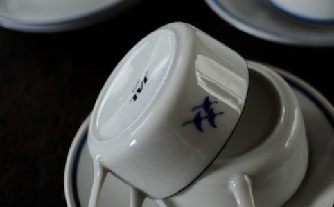 機内食用のカップ