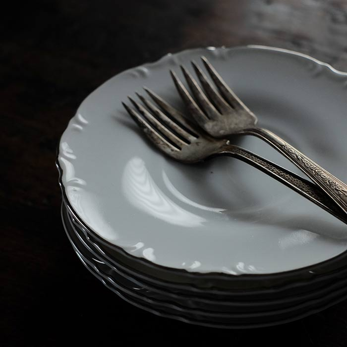 花リムのデザート皿 φ16cm