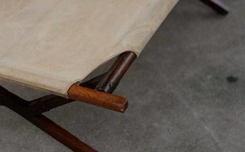 日本の古い木製折りたたみコット