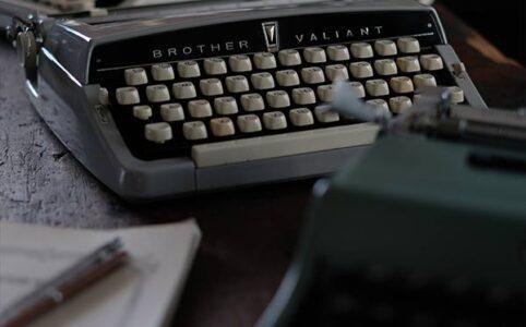 OLIVETTIとBROTHERのタイプライター
