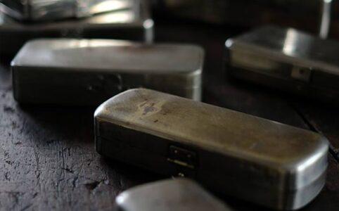 医療器具の収納缶