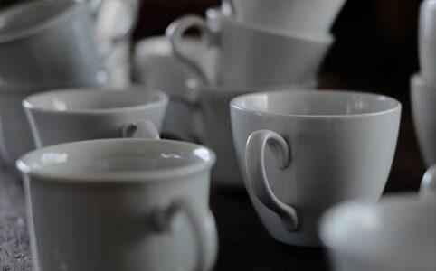 白磁のコーヒーカップ(デッドストック)