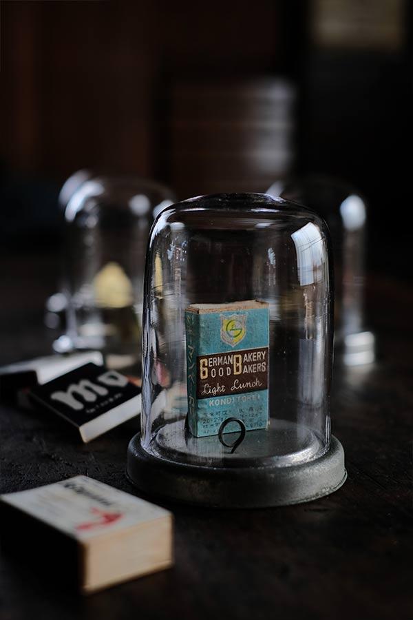 戦前のタバコ屋のディスプレイドーム